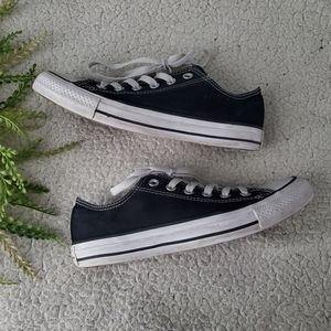 Converse All Star | Sneakers | Size 8 | GUC!